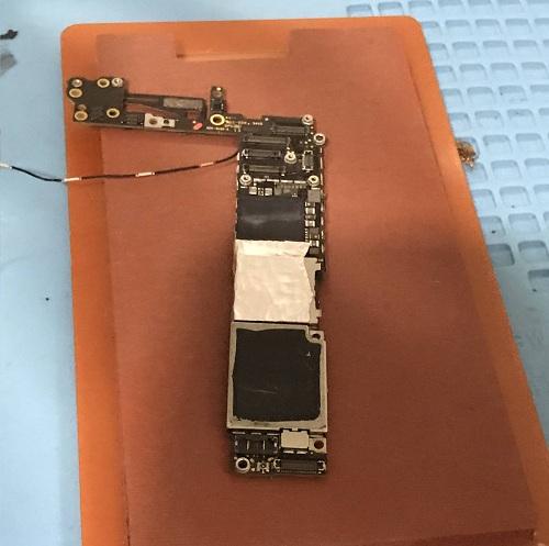 iPhone6进水腐蚀开不开机维修案例
