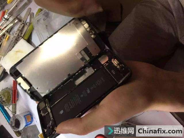 iPhone7 白苹果重启,刷机报错4013故障维修案例