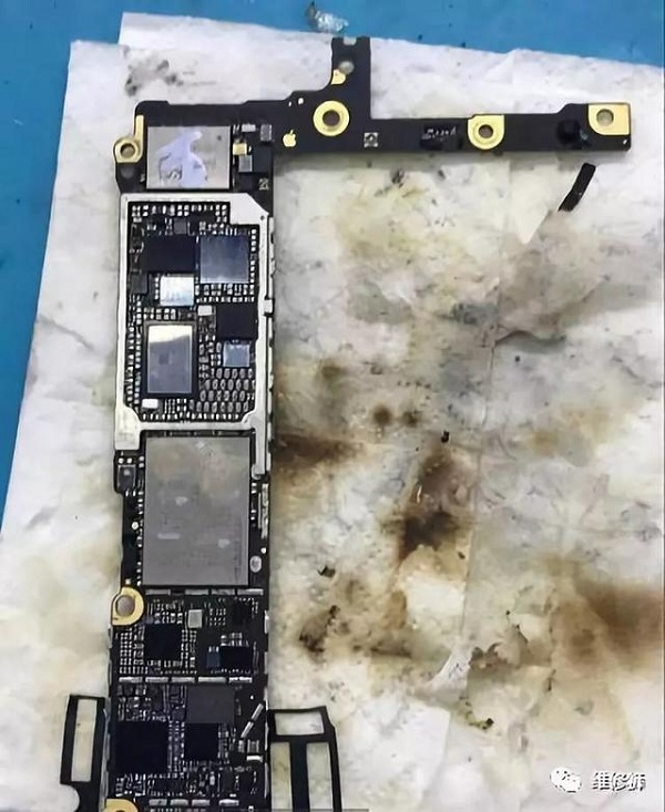iPhone6 Plus手机充电有图标不充电的维修案例