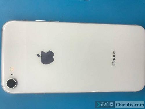 iPhone 8手机不开机,修好又返修不充故障维修