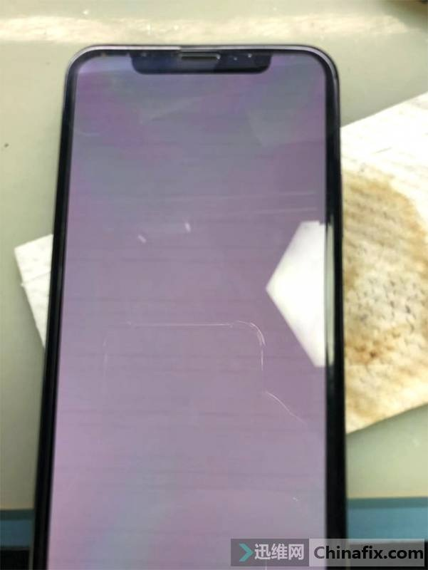 iPhone X手机花屏重启故障维修